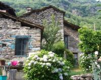 Италианско село обявено за продан в Ebay