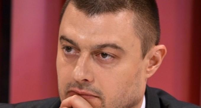 Бареков към Каракачанов: Аз или тандемът Борисов-Доган?