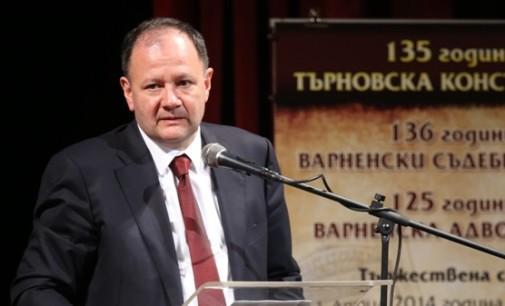 Михаил Миков е новият лидер на БСП! Делегати скандират: Оставка!
