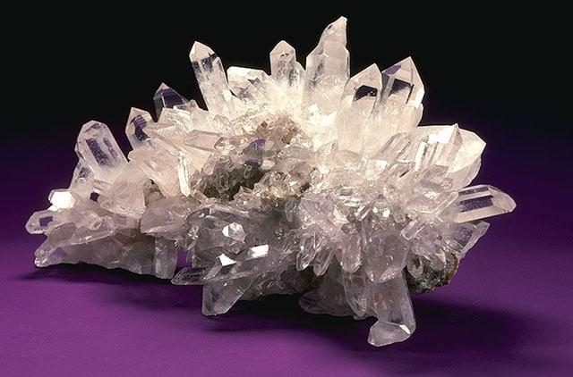 Планинският кристал хармонизира Рака