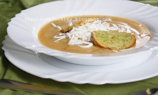 Крем супа от моркови и картофи с настъргано сирене – свежо лятно предложение