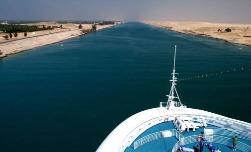 В Египет строят нов Суецки канал