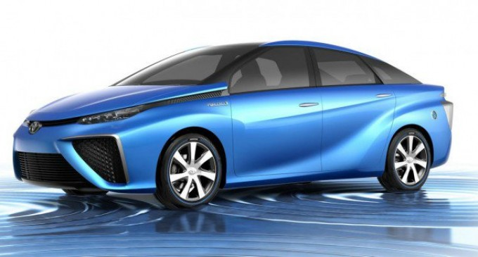 Новата Тойота с водороден двигател в продажба от 2015 година