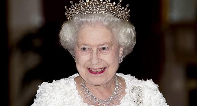 Кралица Елизабет II ще посети концентрационния лагер Берген-Белзен