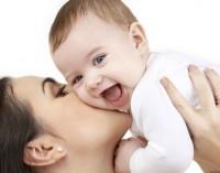 Най-младите майки в ЕС са в България