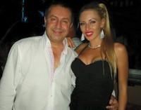 Български милионер показа обувките си в интернет