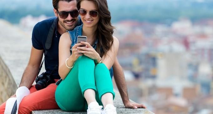 SMS-ите са по-романтични от телефонните обаждания